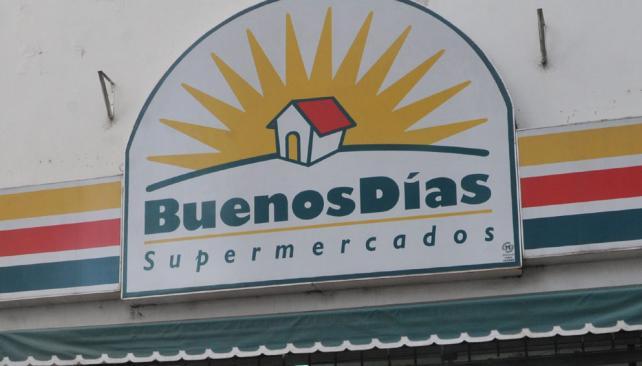 Insólito, lo sacaron con la policía de un supermercado de Carlos Paz por anotar los precios de las góndolas