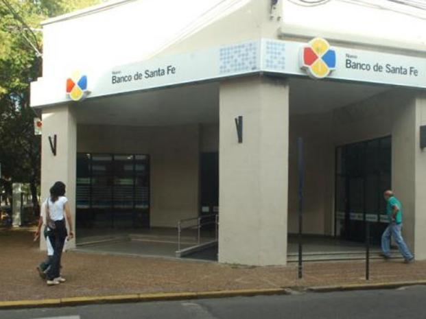 Grave denuncia contra el Banco de Santa Fé